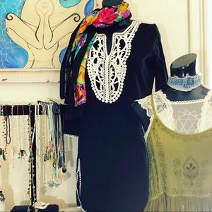 Black and white classy tunic top